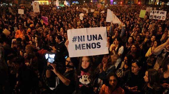 «Η Αργεντινή και ο κόσμος όλος δεν θέλει ούτε μια γυναίκα λιγότερη»